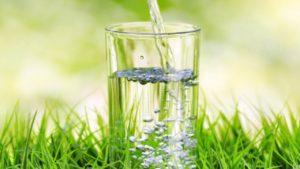 Зачем пить воду по утрам?